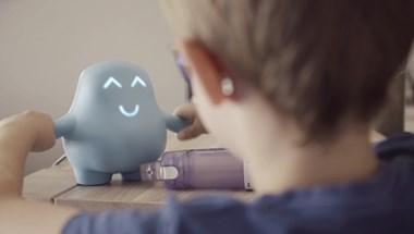 Van, amire jobb egy mesterséges barát, mint a szülő?