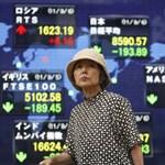 Japán enyhíti a pénzügypolitikáját