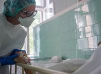 Húsz százalékkal emeli az ápolók fizetését a kormány