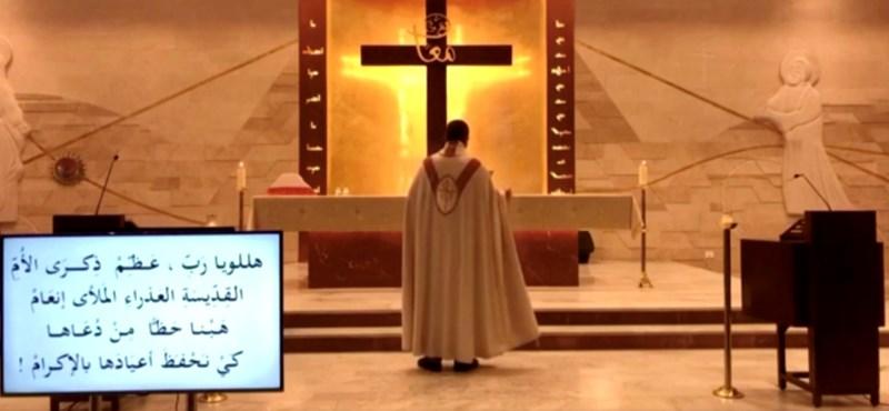 Sokkoló videón menekül egy pap a bejrúti robbanás idején