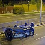 Szalagkorlát nyársalt föl egy autót az M3-bevezetőnél – fotó