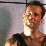 Bruce Willis szögre akasztja a véres trikót?