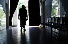Négy beteget agyonvert egy infúziós állvánnyal, kilencet megsebesített egy alkoholbeteg Romániában