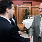 Sólyommal és Tölgyessyvel építene új ellenzéki pólust az LMP