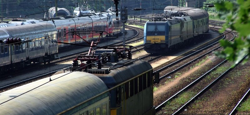 """The MÁV drops 110 million per year because of the spiral Mátészalka train """"width ="""" 800 """"height ="""" 370"""