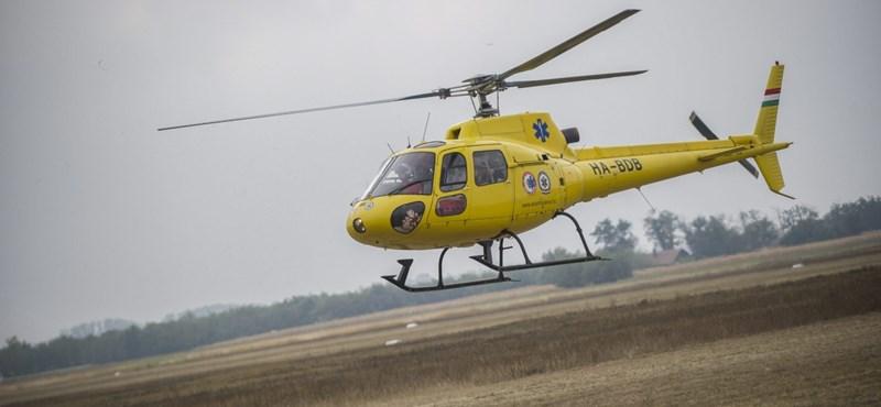 Súlyos baleset Mindszentkállánál, mentőhelikopter érkezett a helyszínre