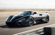 Balszerencsés a világ leggyorsabb autója, már szállítás közben összetörték