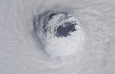 230 kilométer/órás széllel közelít Mexikóhoz Willa