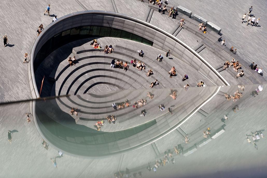 nagyítás -  The Scoop kültéri amfiteátrum London központjában