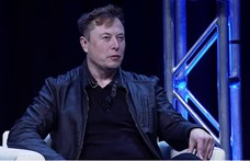 Elon Musk szerint rövidesen elkészülnek a teljesen önvezető technológiával