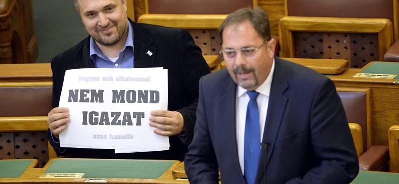 Ötezret utalt a Jobbiknak egy LMP-s országgyűlési képviselő