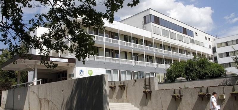 Fideszes képviselő becsületbeli ügye lett a miskolci kórházbotrány