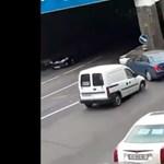 Videó: ez egy nagyon rosszul sikerült parkolási kísérlet
