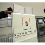 Üvegbetont használ a magyar bürokrácia