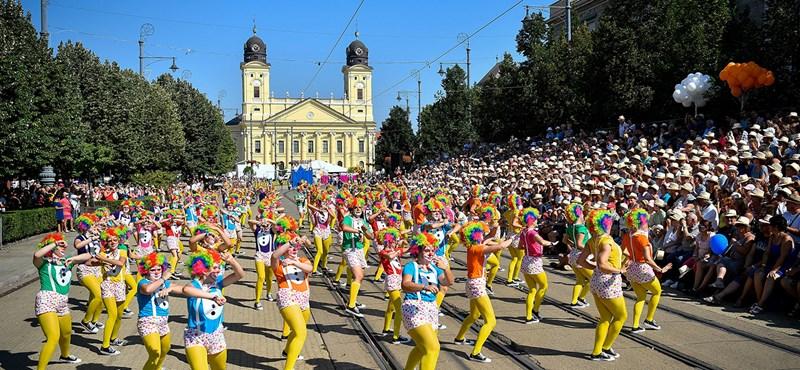 Stadion show-val és virágkarnevállal ünnepel Debrecen