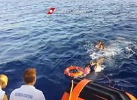 Pattanásig feszült a helyzet az olasz partoknál veszteglő mentőhajón