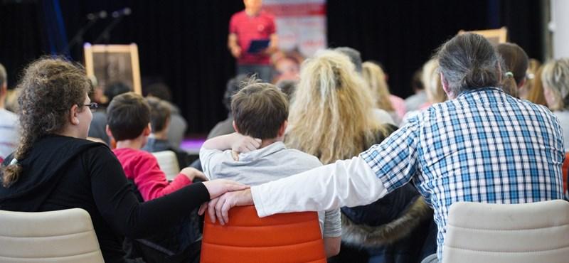 Ingyen színházi előadás középiskolásoknak