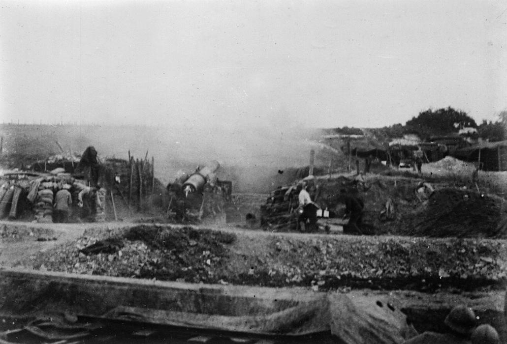 afp. Somme-i csata - Guerre 1914-1918. Canon de 220 en action dans la Somme. 1916