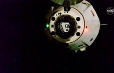 Elindultak a Földre a Crew Dragon űrhajósai