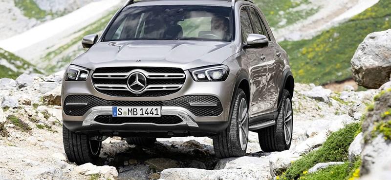 Még hatalmasabb lett a Mercedes luxus szabadidő-autója