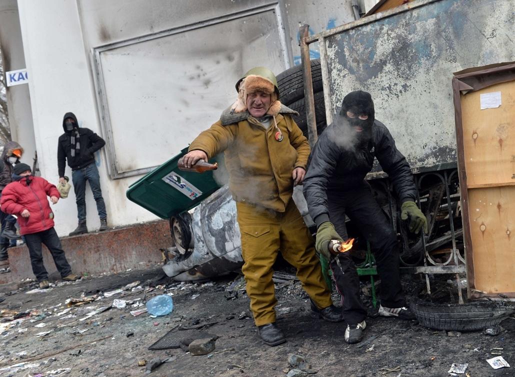afp. 2014.01.19-20. ukrajna tüntetés zavargás, Kijev, Klicsko, EU-tüntetés