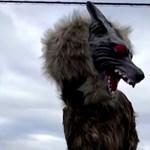 Ijesztő robotfarkasok védik a lakosságot egy japán városban – videó