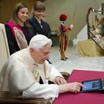 Benedek pápa elküldte első Twitter-üzenetét