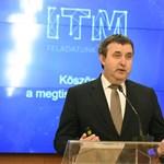 Több száz milliárd forint előleget ígért Palkovics László