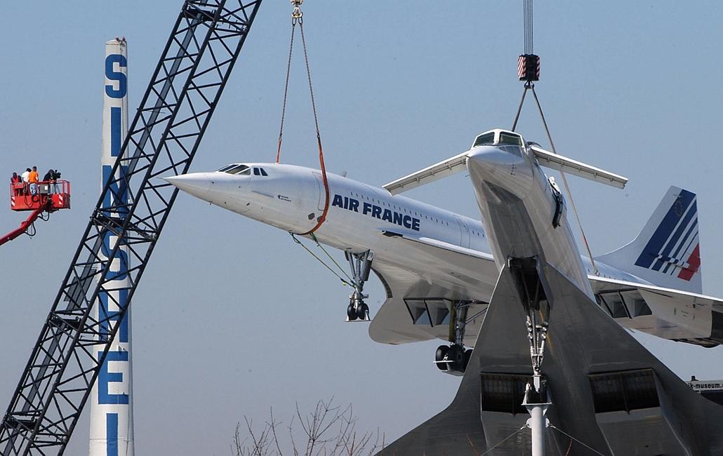 afp.04.03.17. - Sinsheim, Németország: Concorde és Tu-144 gépek a németországi Sinsheim városának közlekedési múzeumában. - Concorde, repülőgép, nagyítás