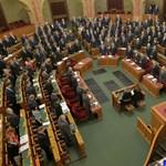 A DK a parlament bojkottjára biztatja az ellenzéket