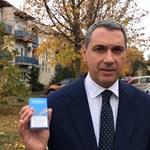 Lázár visszaszólt Orbánnak és Gulyásnak cigiügyben