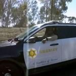 Ment az autóban éneklős műsor felvétele, amikor egy rendőr közbeszólt - videó