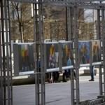 Emmi: A holokauszt-kiállítás rongálói az egész nemzetnek kárt okoztak