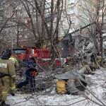 Újabb holttesteket találtak a felrobbant orosz lakóház romjai alatt