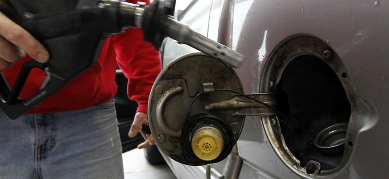 Megint drágább lesz a benzin