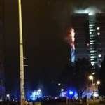Toronyház lángolt Belfastban