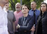 Hiába leszbikus a kormányfő, Szerbiában akadályozzák a melegek szülővé válását
