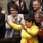 Igazi magyarázat nélkül cserél miniszterelnököt a lengyel kormánypárt