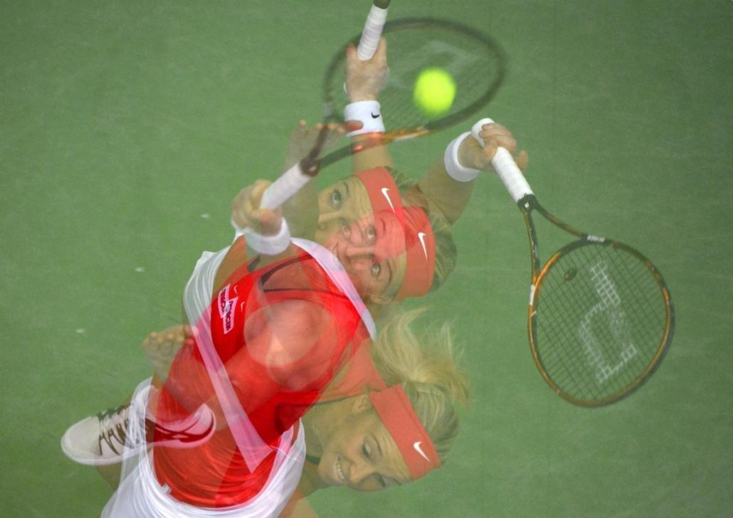mti. Tenisz - FED Kupa Budapesten, Patricia Mayr-Achleitner játszik az izraeli Julia Glushko ellen az Ausztria-Izrael találkozón a budapesti FED Kupán a SYMA csarnokban 2014. február 6-án.