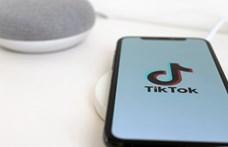 Gyerekek személyes adatainak gyűjtéséért perelték be a TikTokot
