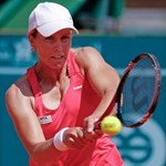 Tenisz: Arn Gréta egy elvesztett játszma után feladta a küzdelmet