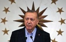 Tovább mélyül a török–francia vita – Erdogan most már perel