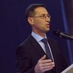 Csúcsot döntött Varga Mihály: 7,8 milliárd pluszpénzt osztott ki az emberei között