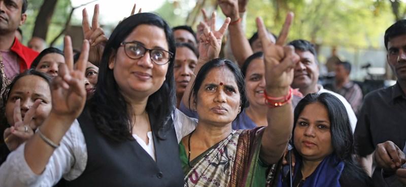 Kivégezték Indiában a diáklányt megerőszakolókat