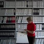 Évtizedekig őrizgethetik a dolgozók papírjait, van, amit tilos leselejtezni