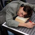Így tilos készülni a vizsgákra: rosszul jártok, ha ennyire keveset alszotok