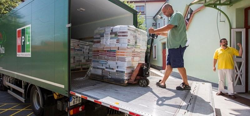 """""""Visszautasítjuk"""" - válaszoltak Rétvári Bencének a tankönyvesek"""