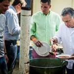 Komoly feladatot kapott a Törvényszéken az ember, aki rikító zöld ingét Orbánnak adta