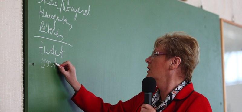 Mikor startol a tanárok életpályamodellje? Hoffmann ragaszkodna a 2013-hoz