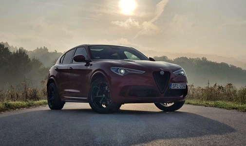 Majdnem Ferrari: teszten az új Alfa Romeo Stelvio Quadrifoglio